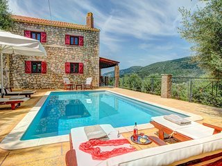 2 bedroom Villa in Platreithiás, Ionian Islands, Greece : ref 5604841