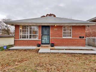 ☆ New Renovate ☆ Holly Hills☆Carondelet Park☆The heart of St. Louis