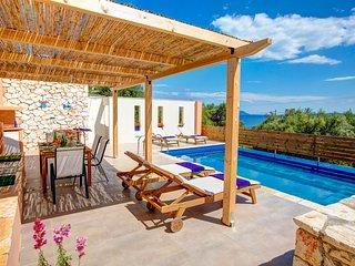 Villa Diosmos - Sivota Lefkadas - 3 bedrooms, private pool, sea view & BBQ