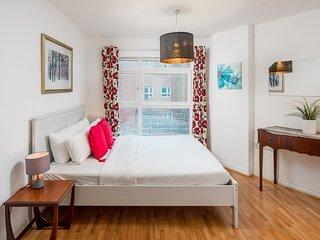 1bed sleeps 4 w/balcony 2min to Hackney Downs
