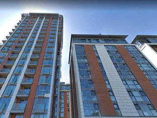 Modern & Stylish 2 bed in Canning Town, sleeps 6