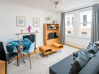 Modern 1 Bed apt sleeps 4 in Covent Garden