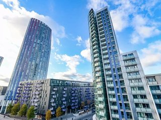 Lovely 2bed, 2bath apt - 5mins to Central line