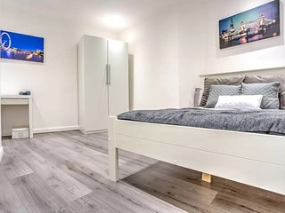 Sleek 2bed 2ensuite apt, Kennington, 4min to tube