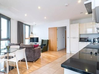 Gorgeous 2bed, 1bath flat, Stratford, 5min to stn