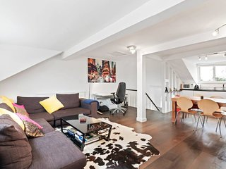 Gorgeous 2 bed Victorian Townhouse in Canonbury.