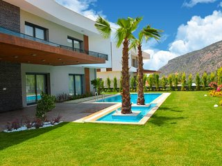 Luxurious Villa Oasis 2 || Summer enjoyment for you and the family