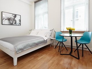 Studio for 2 - Crownhill Apartments