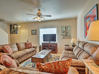 Quiet & Updated Kanab Townhome - Near Zion NP