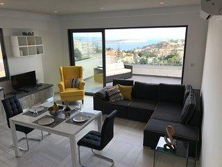 Artist Terrace Luxury Apartment