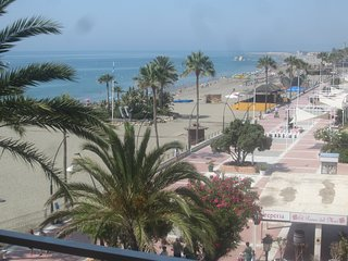 Panoramic Seaviews!! Directly ON the Beach in Estepona Center. 2 bedr, 2 baths.