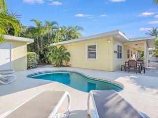 Seaside Cottage - 4/3 Heated Pool Home On Siesta Key Beach Access [Sleeps 10]