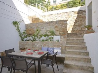 Begur Town House Sleeps 6 with WiFi - 5623728