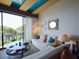Begur Apartment Sleeps 6 with Pool and Air Con - 5623633