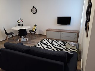 Bright & Spacious 1 Bedroom Apt in Gzira- P008
