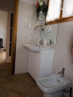 Dettaglio del nuovo mobile lavabo
