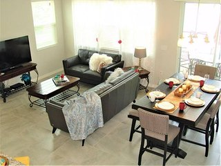 SPECIAL OFFER - Brand new Town Home in Orlando FL, Close to Disney and Outlets!