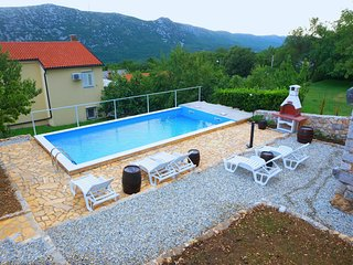 Holiday Home Katarina - Three Bedroom Holiday Home with Private Pool