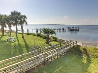 Gorgeous bay front condo with waterfront shared pool and dock