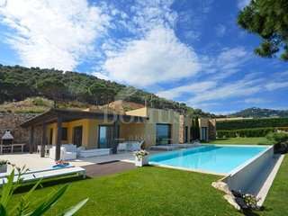 5 bedroom Villa in Fornells de la Selva, Catalonia, Spain : ref 5623036
