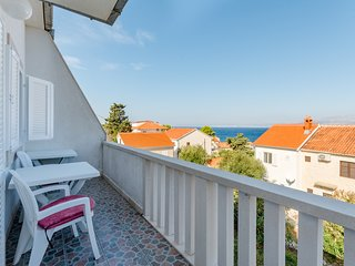 Villa Ljubas - Two Bedroom Apartment with Balcony and Sea View (Carla)