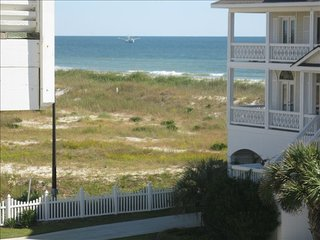 NEW LISTING! 'Sea Escape' 4 br 4ba ocean view-dog friendly.