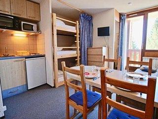 Studio cabine 4/5 places au pied des pistes avec balcon Sud belle vue vallee.
