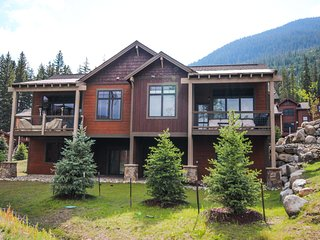 Alders 24 4 Bedroom Townhome by SummitCove Lodging