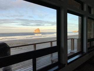 New Modern Ocean Front Home in Pacific City Kiwanda Shores