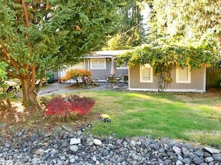 Bungalow with Beach Rights to  Lake Sammamish