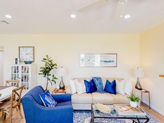 NEW LISTING! Newly renovated beach duplex - only a block to the beach!
