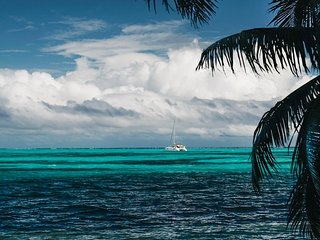 Stunning Belize sailing on a Luxury Catamaran around wonders of Nature
