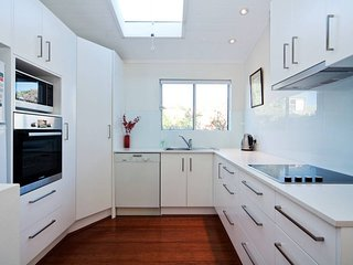 Balmain 2 bed Beauty BM21