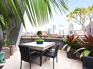 Ultimate City Pad in Central Sydney UM616