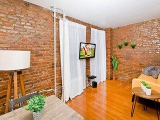 Trendy SoHo *One Bedroom* BEST LOCATION