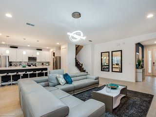 Disney On Budget - Sonoma Resort - Feature Packed Contemporary 14 Beds 13 Baths