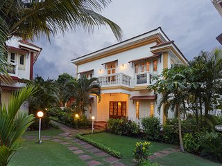 Villa Fifty - 5 mins from beach - 3BR Vacation Home in South Goa w/ Cook & Pool