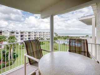 3 Bedrooms 2 Bathrooms with excellent ocean views at Colony Reef Club 1412