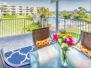 WOW! Newly Renovated condo with Ocean and Pool View at Colony Reef Club