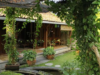 A Single Room Eco Bungalow with shared Dipping Pool
