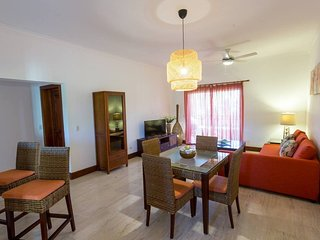 Bavaro Apartment Sleeps 6 with Pool Air Con and Free WiFi - 5711662