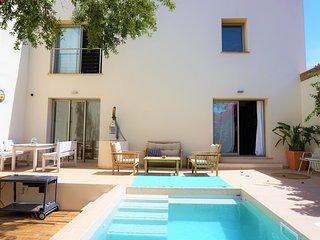 Naturable Home - Casa de Pueblo con piscina en Es Capdella, FREE WIFI