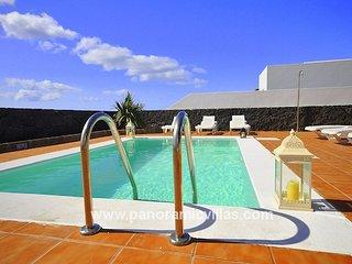 3 bedroom Villa in Playa Blanca, Canary Islands, Spain : ref 5700514