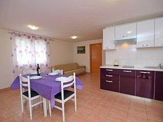2 bedroom Apartment in Zakučac, Croatia - 5559032