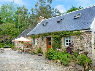 2 bedroom Villa in Kermouster, Brittany, France : ref 5650456