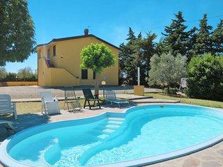 4 bedroom Villa in Pieve di Santa Luce, Tuscany, Italy : ref 5702597