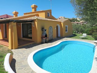 2 bedroom Villa with Pool - 5702612