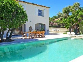 5 bedroom Villa in Sainte-Maxime, Provence-Alpes-Côte d'Azur, France - 5702421
