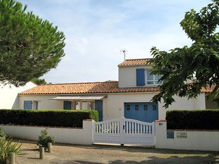 3 bedroom Villa in La Terrière, Pays de la Loire, France : ref 5702273