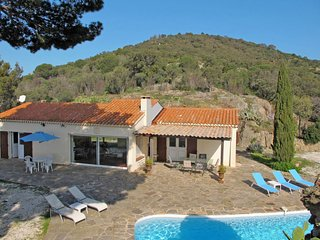 2 bedroom Villa in Bormes-les-Mimosas, France - 5700696